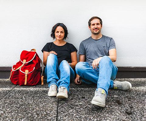 Judith und Alex - Roter Rucksack