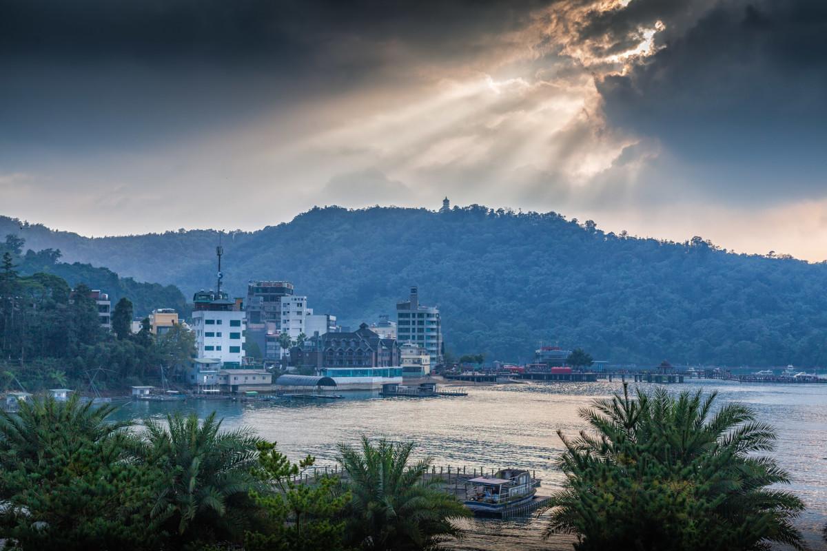 Sun-Moon-Lake-Taiwan-6