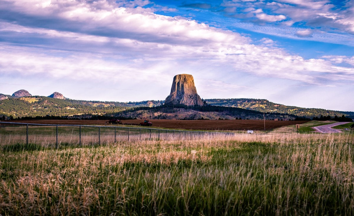 Devils-Tower-Wyoming-USA-1