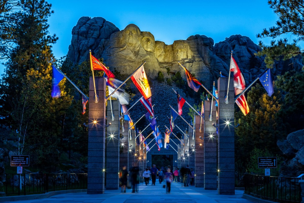 Mount-Rushmore-South-Dakota-USA-4